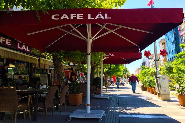 Cafe Lal